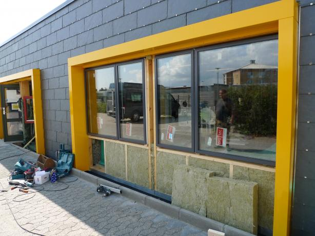 Workshop at Tommerupvej in Næstved. Exchange of windows.